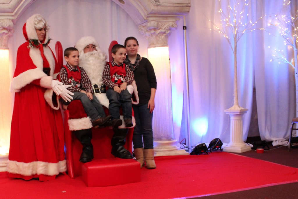 2015 Childrens Christmas Party 187